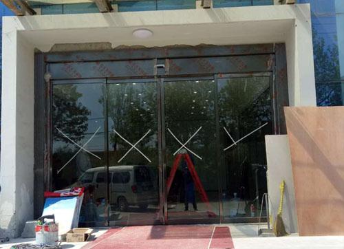 蓬莱玻璃自动门