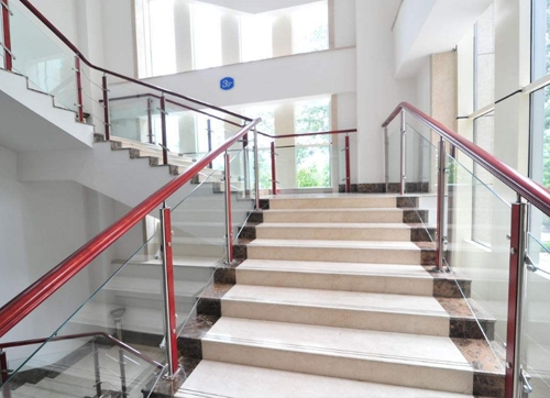 威海不锈钢楼梯扶手价格
