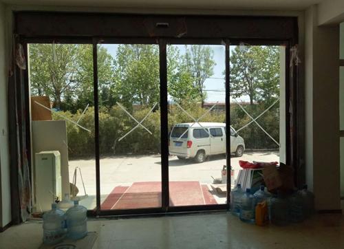 蓬莱玻璃自动门安装