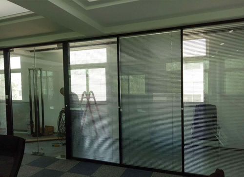 威海玻璃隔断安装